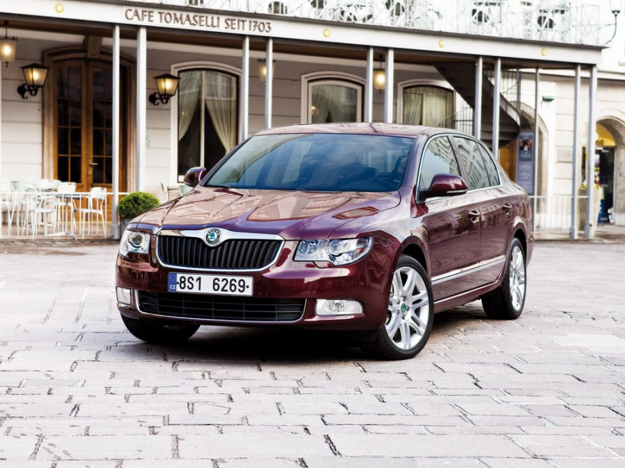 Skoda Superb лифтбэк, 2008–2013, 2 поколение - отзывы, фото и характеристики на Car.ru