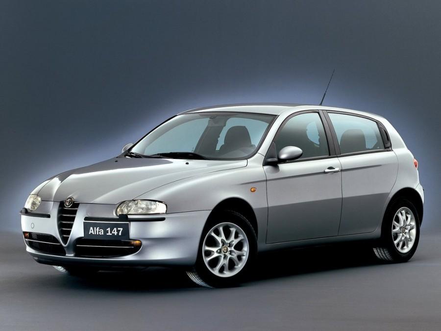 AlfaRomeo 147 хетчбэк 3-дв., 2000–2004, 1 поколение - отзывы, фото и характеристики на Car.ru