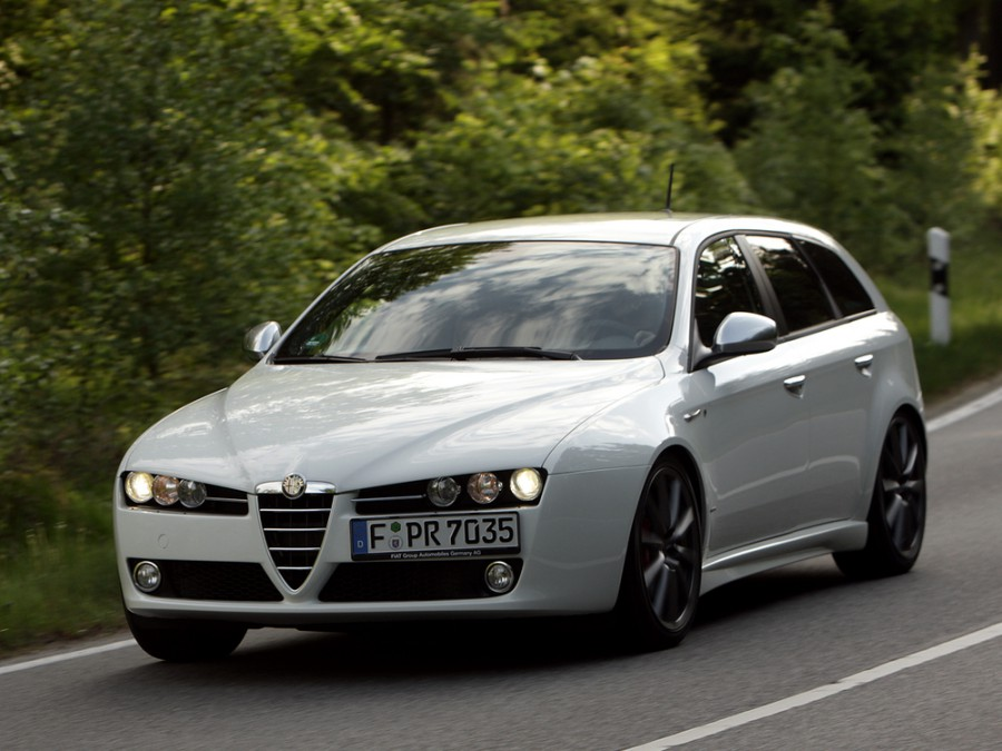AlfaRomeo 159 Sportwagon универсал, 2005–2011, 1 поколение - отзывы, фото и характеристики на Car.ru