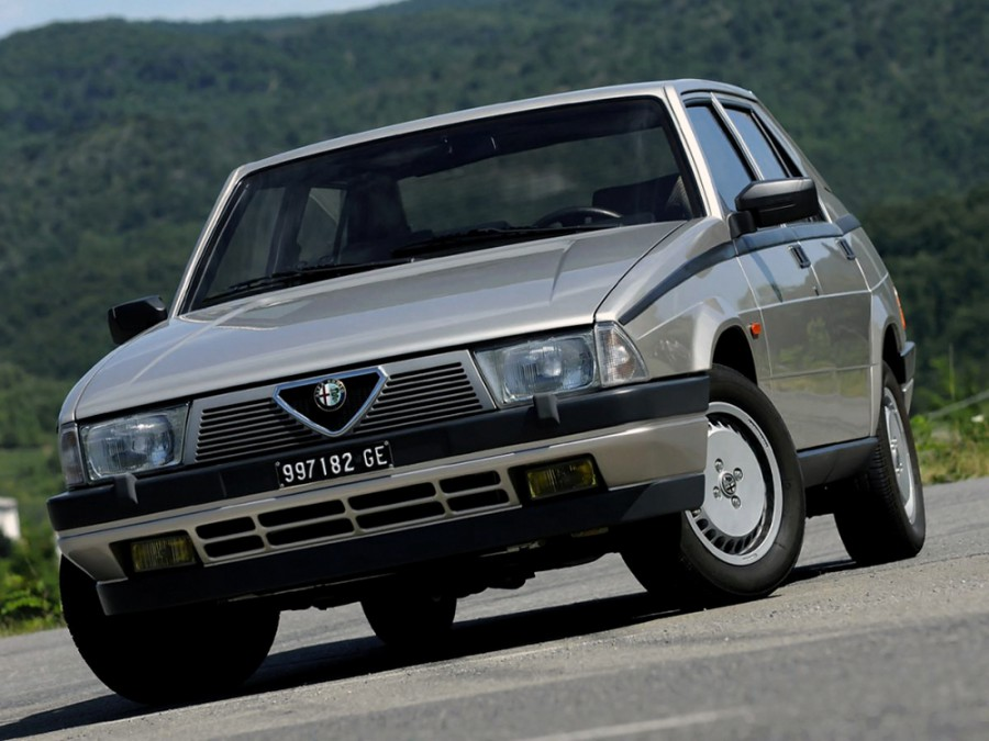 AlfaRomeo 75 седан, 1985–1992, 162B - отзывы, фото и характеристики на Car.ru