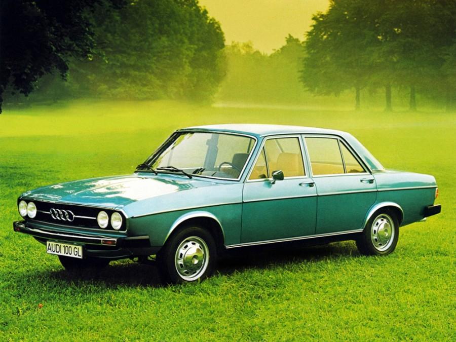 Audi 100 седан 4-дв., 1968–1972, С1 - отзывы, фото и характеристики на Car.ru