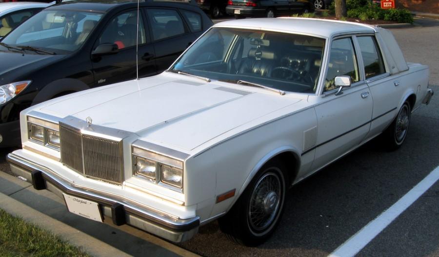 Chrysler Fifth Avenue седан, 1982–1989, 1 поколение - отзывы, фото и характеристики на Car.ru
