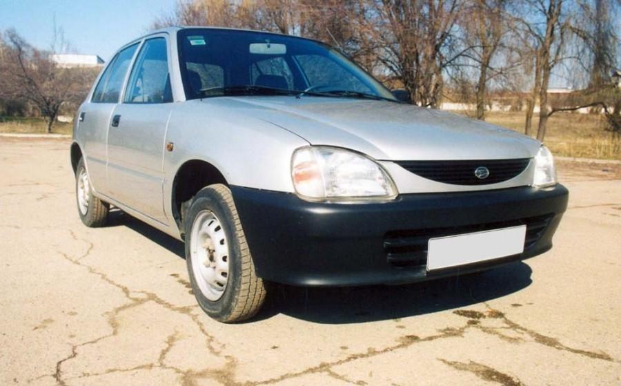 Daihatsu Charade седан, 1996–2000, 4 поколение [рестайлинг] - отзывы, фото и характеристики на Car.ru