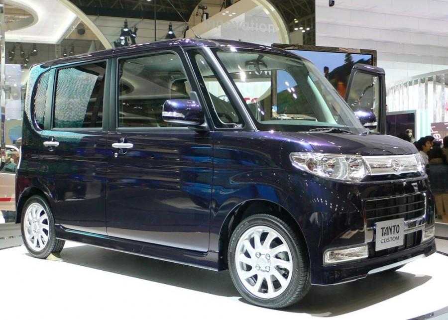 Daihatsu Tanto Custom хетчбэк 5-дв., 2007–2014, 2 поколение - отзывы, фото и характеристики на Car.ru