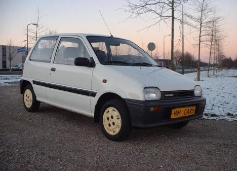 Daihatsu Cuore 3d хетчбэк, 1991–1994, L200 - отзывы, фото и характеристики на Car.ru