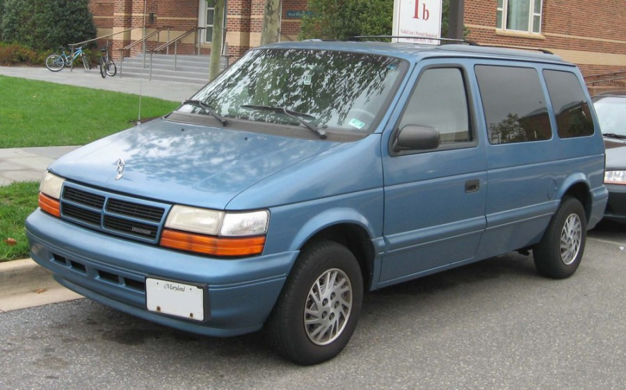 Dodge Caravan минивэн, 1990–1995, 2 поколение - отзывы, фото и характеристики на Car.ru