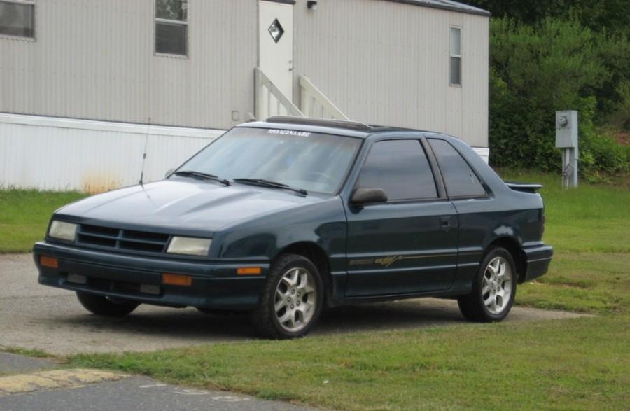 Dodge Shadow хетчбэк 3-дв., 1990–1995, 1 поколение - отзывы, фото и характеристики на Car.ru