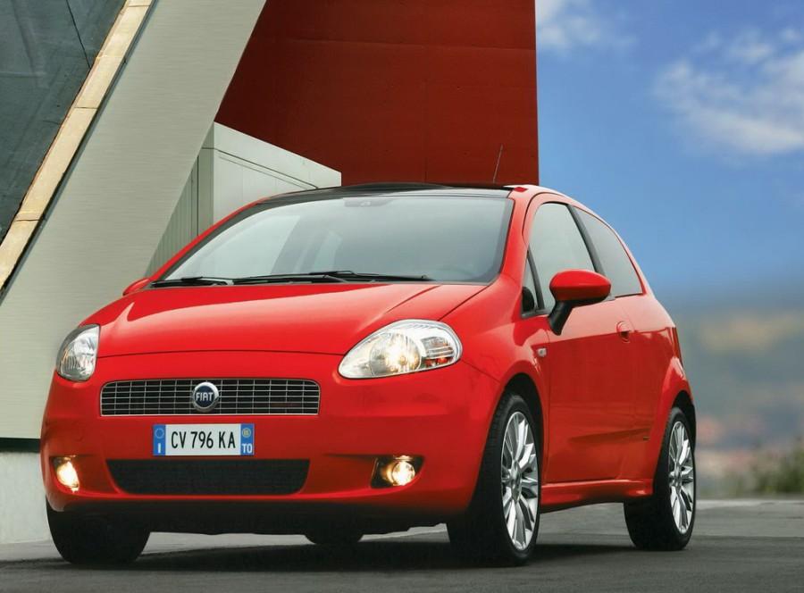 Fiat Punto Grande Punto хетчбэк 3-дв., 2005–2012, 3 поколение - отзывы, фото и характеристики на Car.ru