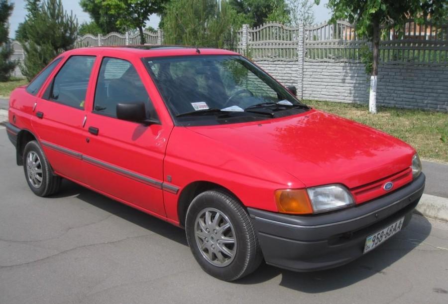 Ford Escort хетчбэк 5-дв., 1990–1992, 5 поколение - отзывы, фото и характеристики на Car.ru