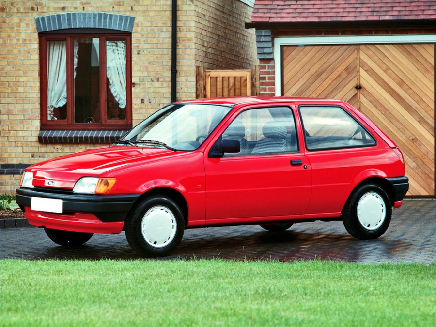 Ford Fiesta хетчбэк 3-дв., 1989–1996, 3 поколение - отзывы, фото и характеристики на Car.ru