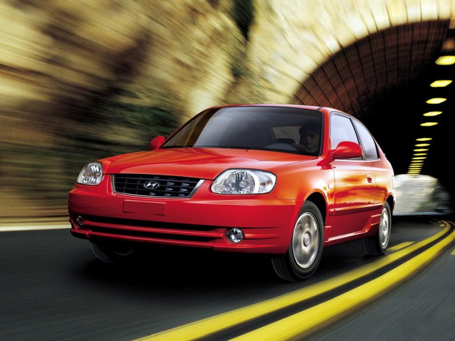 Hyundai Accent хетчбэк 3-дв., 2002–2006, LC [рестайлинг] - отзывы, фото и характеристики на Car.ru