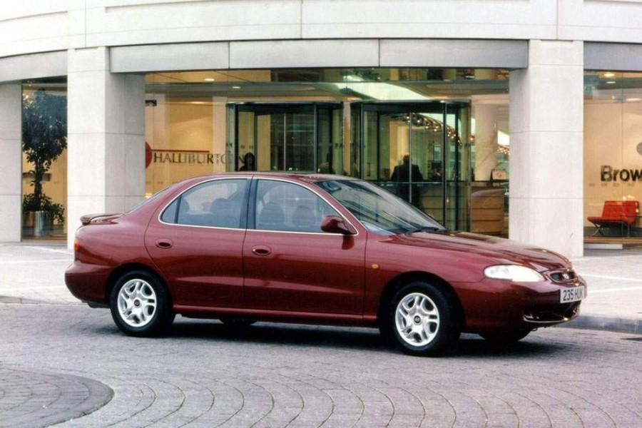 Hyundai Lantra седан, 1998–2000, J2 [рестайлинг] - отзывы, фото и характеристики на Car.ru