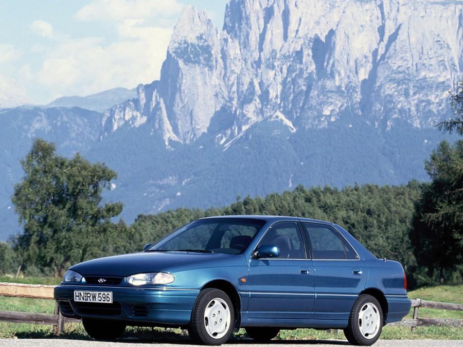 Hyundai Lantra седан, 1993–1995, J1 [рестайлинг] - отзывы, фото и характеристики на Car.ru