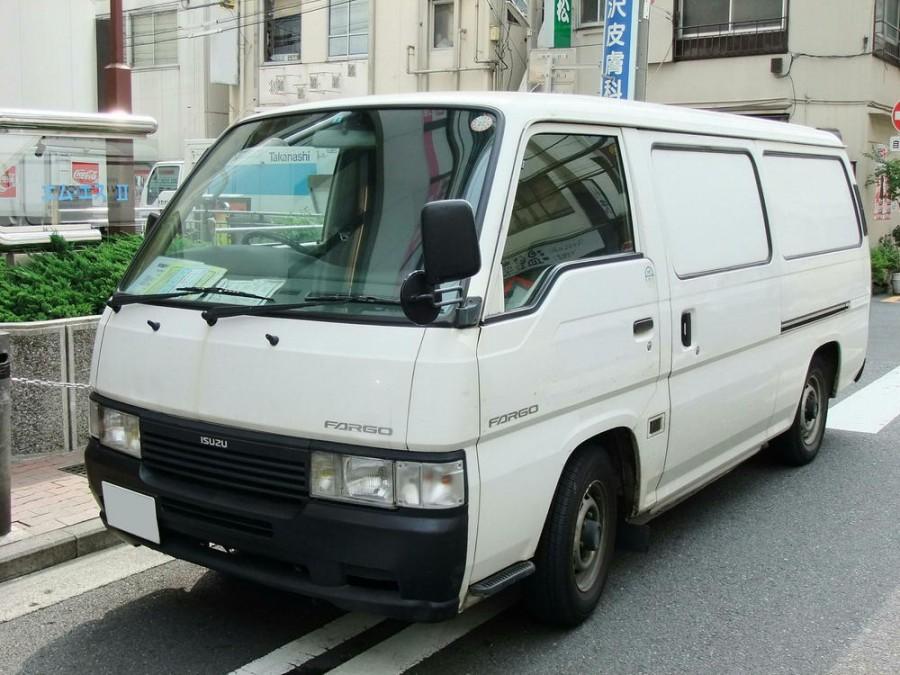 Isuzu Fargo микроавтобус, 1995–2001, 2 поколение - отзывы, фото и характеристики на Car.ru
