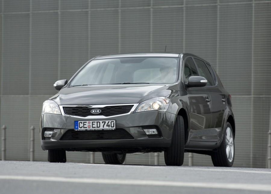 Kia Ceed хетчбэк 5-дв., 2010–2012, 1 поколение [рестайлинг] - отзывы, фото и характеристики на Car.ru