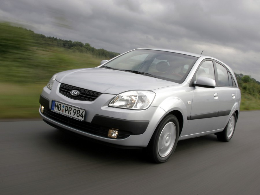 Kia Rio хетчбэк, 2005–2009, 2 поколение - отзывы, фото и характеристики на Car.ru