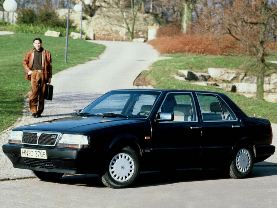 Lancia Thema седан, 1984–1993, 1 поколение - отзывы, фото и характеристики на Car.ru