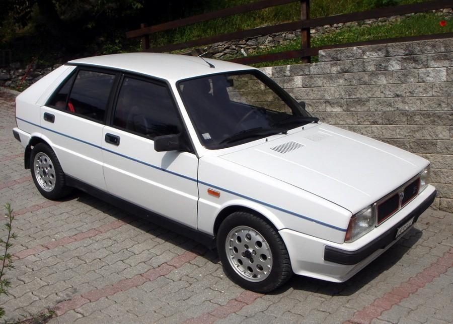 Lancia Delta хетчбэк, 1979–1994, 1 поколение - отзывы, фото и характеристики на Car.ru
