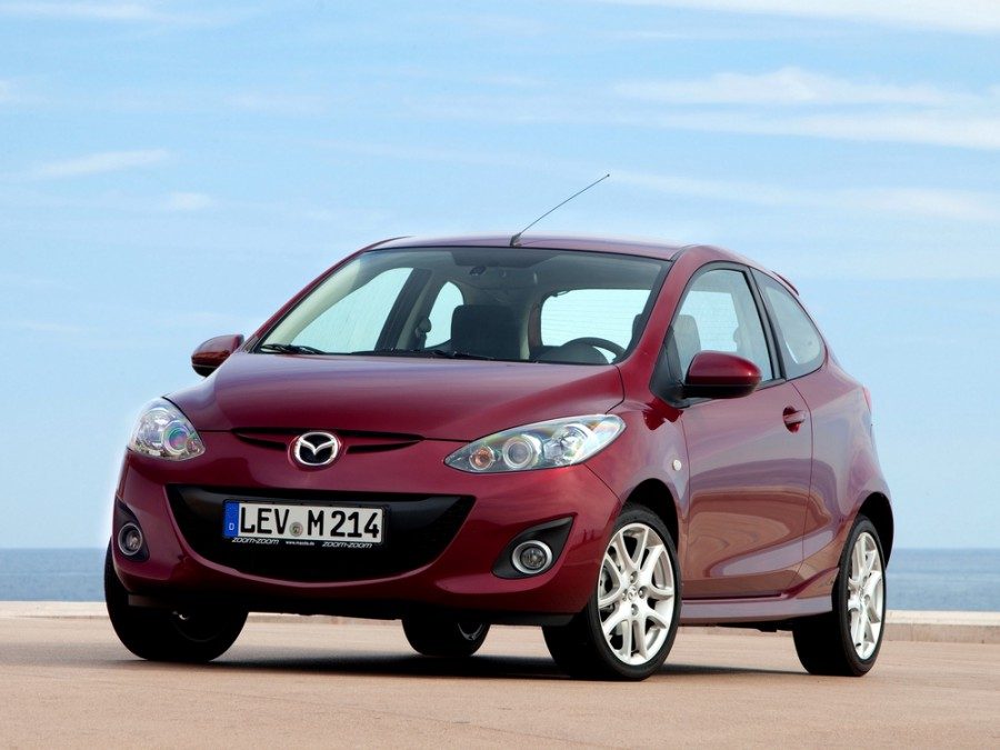 Mazda 2 хетчбэк 3-дв., 2010–2016, 2 поколение [рестайлинг] - отзывы, фото и характеристики на Car.ru
