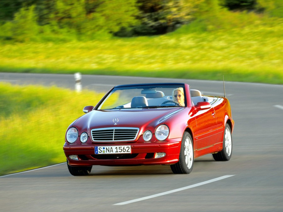 Mercedes CLK-Class кабриолет 2-дв., 1999–2003, W208/A208 [рестайлинг] - отзывы, фото и характеристики на Car.ru