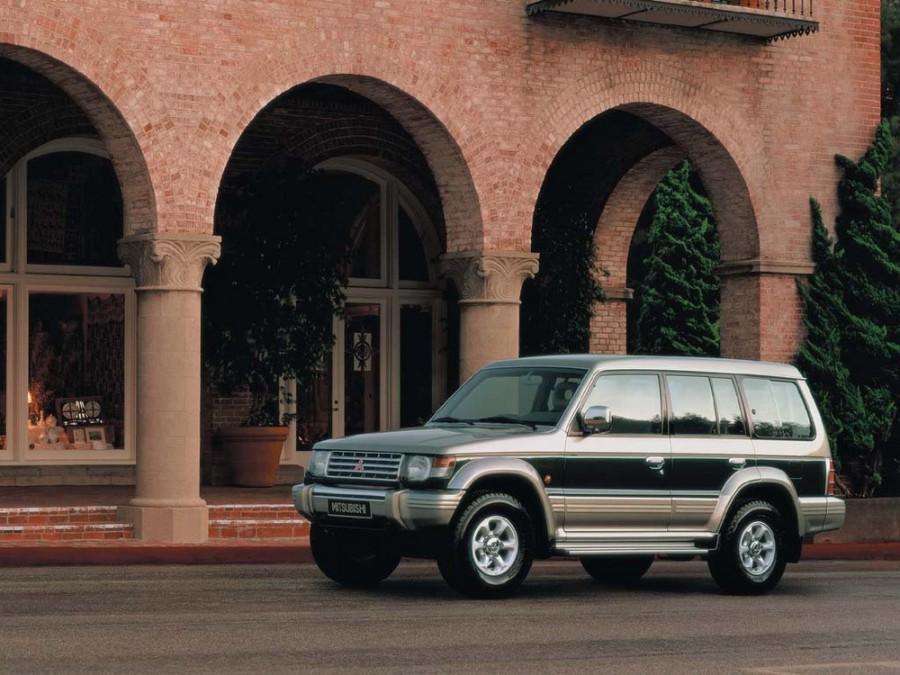 Mitsubishi Montero внедорожник 5-дв., 1991–1998, 2 поколение - отзывы, фото и характеристики на Car.ru