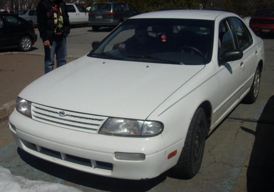 Nissan Altima седан, 1995–1997, U13 [рестайлинг] - отзывы, фото и характеристики на Car.ru