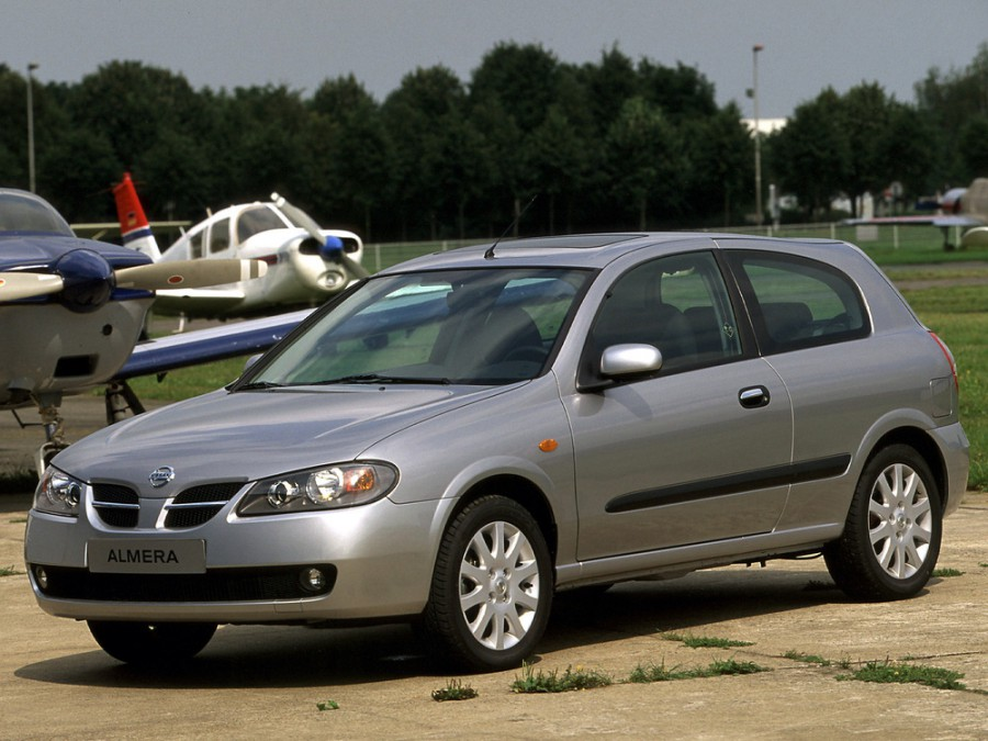 Nissan Almera хетчбэк 3-дв., 2003–2006, N16 [рестайлинг] - отзывы, фото и характеристики на Car.ru