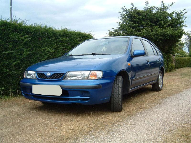 Nissan Almera хетчбэк 5-дв., 1998–2000, N15 [рестайлинг] - отзывы, фото и характеристики на Car.ru