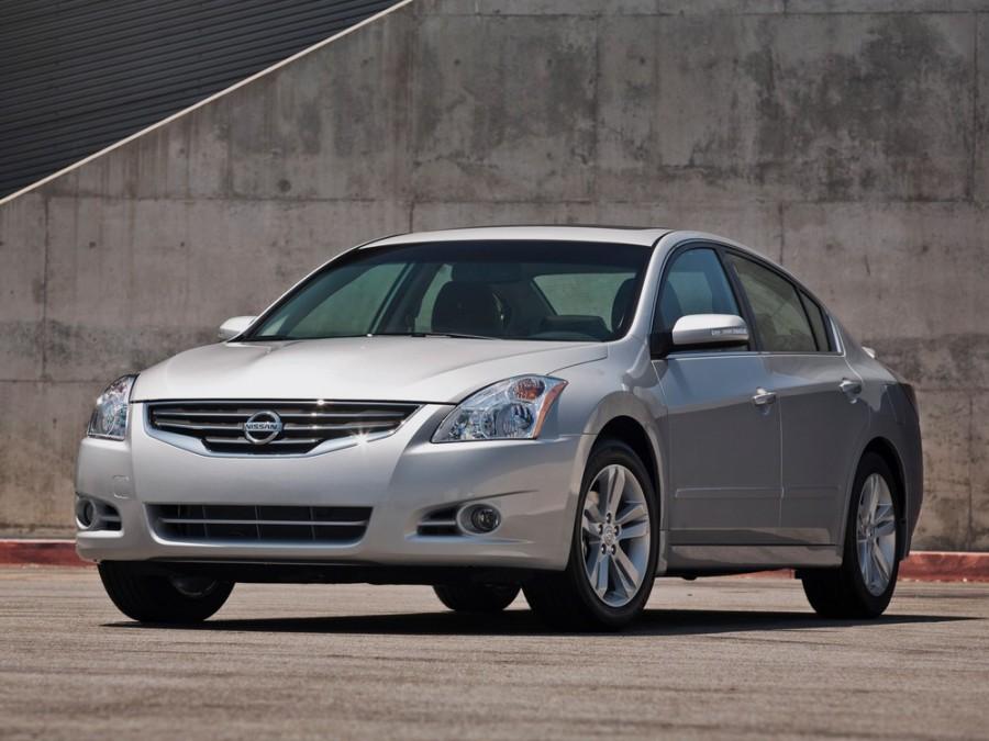Nissan Altima седан, 2009–2012, L32 [рестайлинг] - отзывы, фото и характеристики на Car.ru