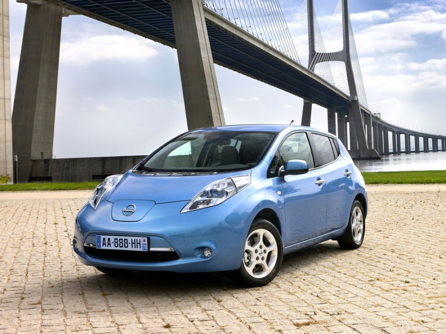 Nissan Leaf хетчбэк, 1 поколение - отзывы, фото и характеристики на Car.ru