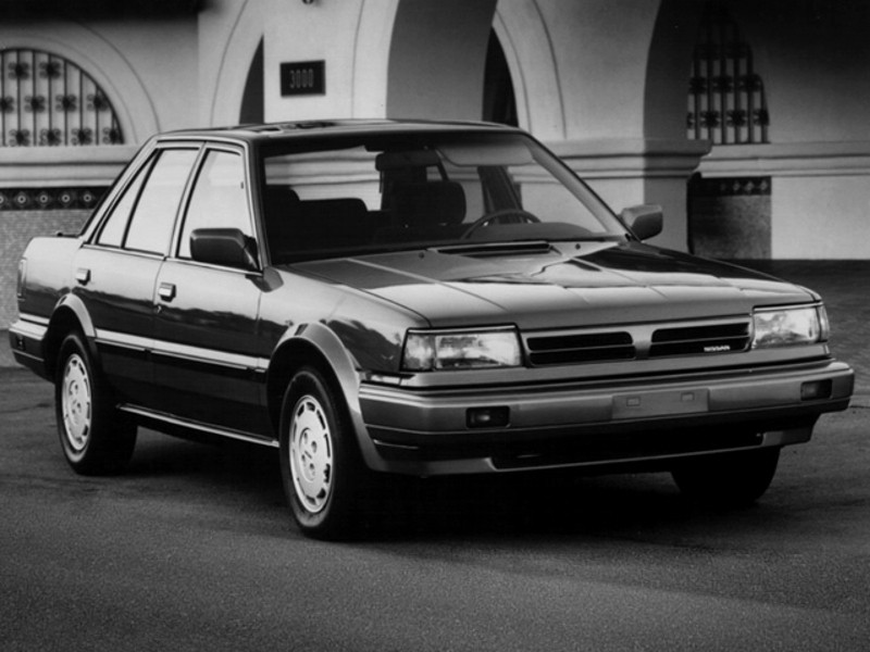 Nissan Stanza седан, T12 [рестайлинг] - отзывы, фото и характеристики на Car.ru
