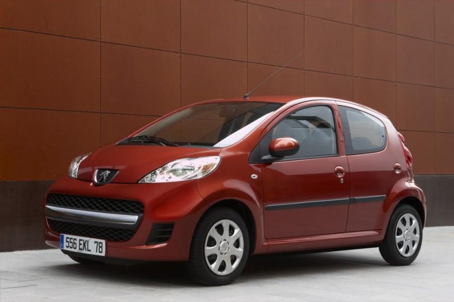 Peugeot 107 хетчбэк 5-дв., 2008–2012, 1 поколение [рестайлинг] - отзывы, фото и характеристики на Car.ru
