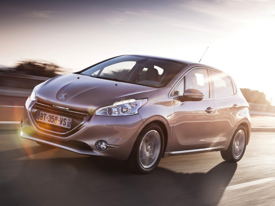 Peugeot 208 хетчбэк 5-дв., 2012–2016, 1 поколение - отзывы, фото и характеристики на Car.ru
