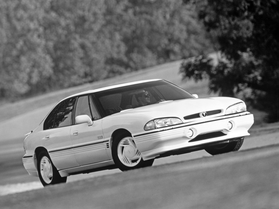 Pontiac Bonneville SSEi седан 4-дв., 1991–1995, 8 поколение - отзывы, фото и характеристики на Car.ru