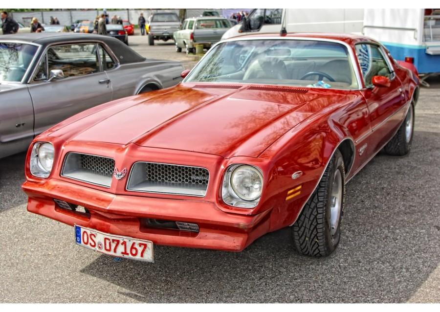 Pontiac Firebird Esprit купе 2-дв., 1976–1977, 2 поколение [2-й рестайлинг] - отзывы, фото и характеристики на Car.ru