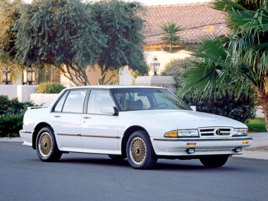 Pontiac Bonneville седан, 1987–1991, 7 поколение - отзывы, фото и характеристики на Car.ru