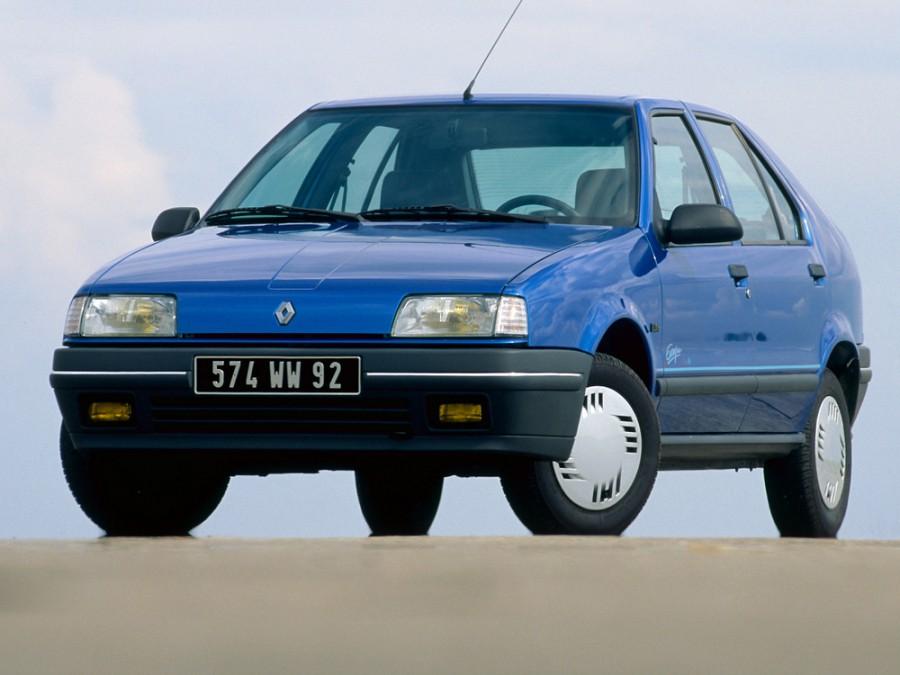 Renault 19, Астрахань