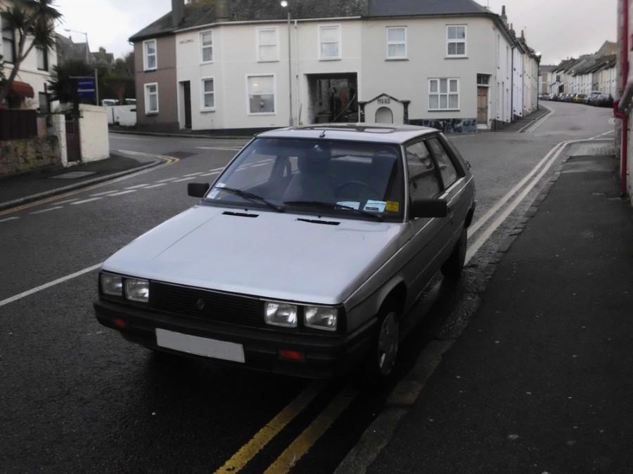 Renault 11 хетчбэк 3-дв., 1983–1986, 1 поколение - отзывы, фото и характеристики на Car.ru