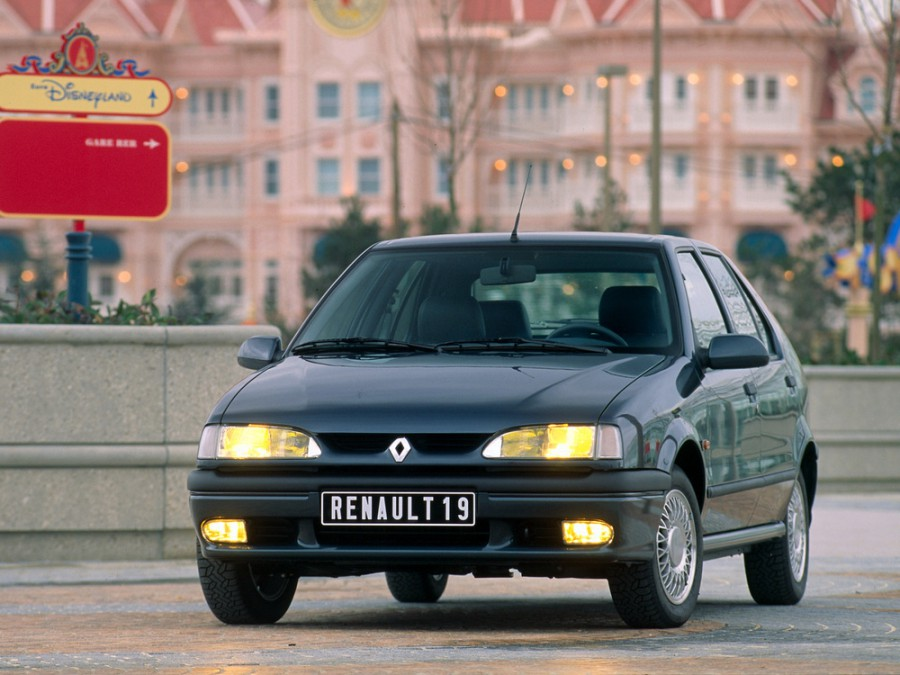 Renault 19 хетчбэк 5-дв., 1992–2000, 2 поколение - отзывы, фото и характеристики на Car.ru