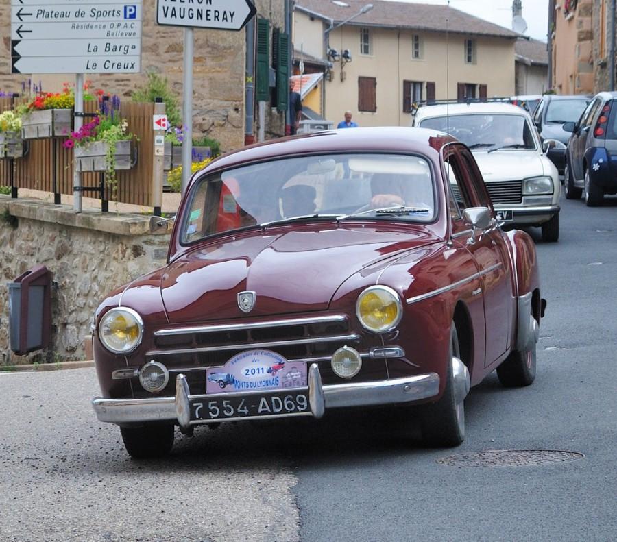 Renault Fregate седан, 1951–1955, 1 поколение - отзывы, фото и характеристики на Car.ru