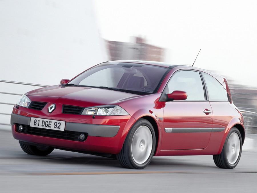 Renault Megane хетчбэк 3-дв., 2002–2006, 2 поколение - отзывы, фото и характеристики на Car.ru