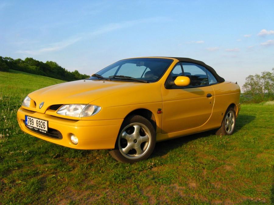 Renault Megane кабриолет, 1995–1999, 1 поколение - отзывы, фото и характеристики на Car.ru