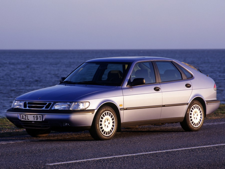 Saab 900 хетчбэк, 1993–1998, 2 поколение - отзывы, фото и характеристики на Car.ru