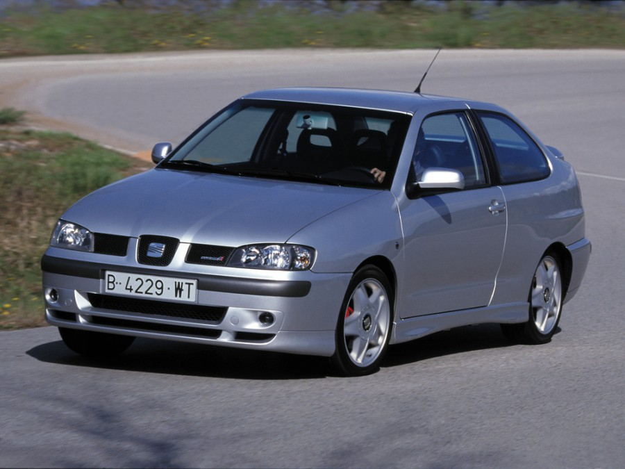 Seat Cordoba купе, 1999–2003, 2 поколение - отзывы, фото и характеристики на Car.ru
