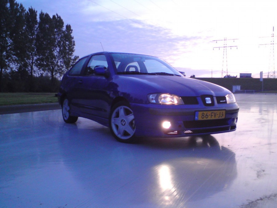 Seat Cordoba седан, 1999–2003, 2 поколение - отзывы, фото и характеристики на Car.ru