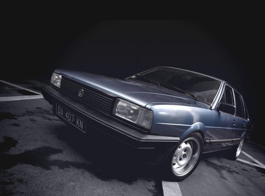 Volkswagen Passat седан 4-дв., 1981–1988, B2 - отзывы, фото и характеристики на Car.ru