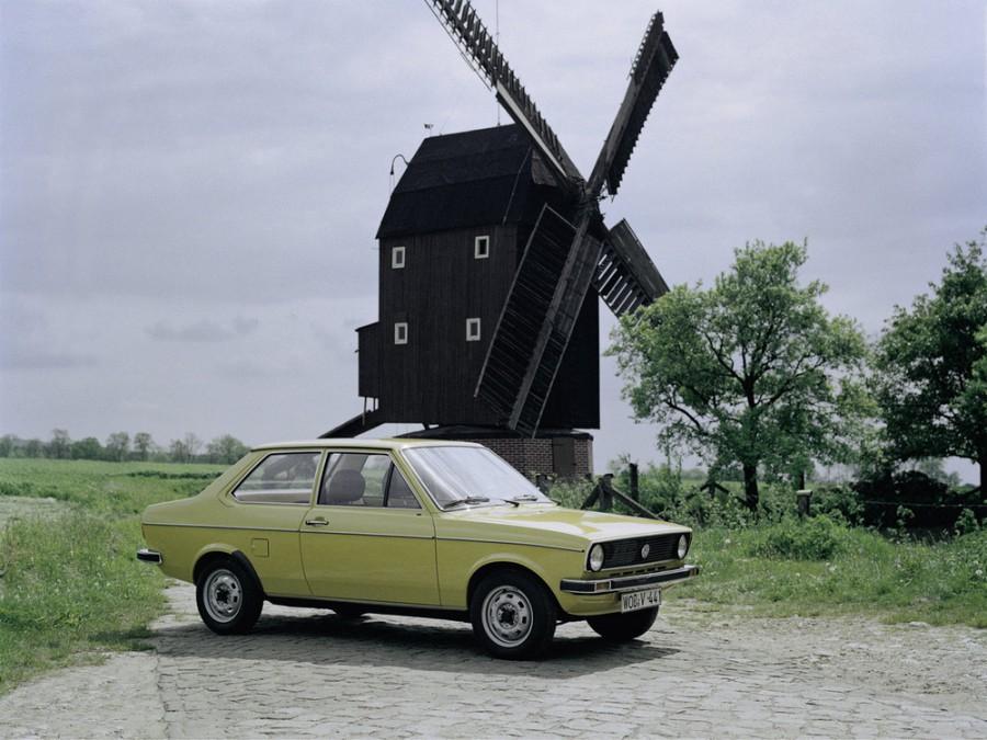 Volkswagen Polo седан, 1975–1979, 1 поколение - отзывы, фото и характеристики на Car.ru