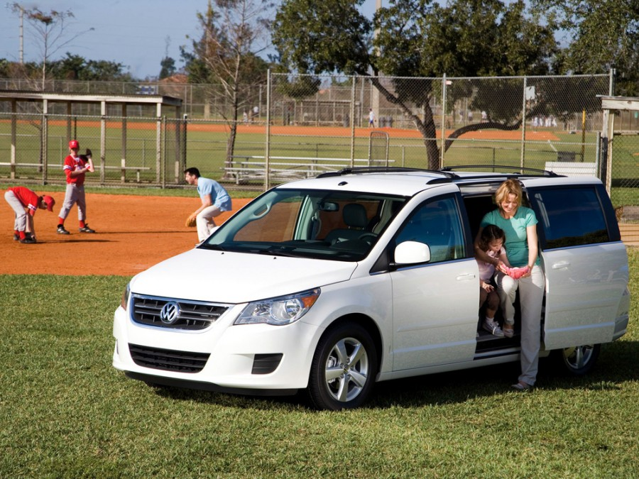 Volkswagen Routan минивэн, 2008–2016, 1 поколение - отзывы, фото и характеристики на Car.ru