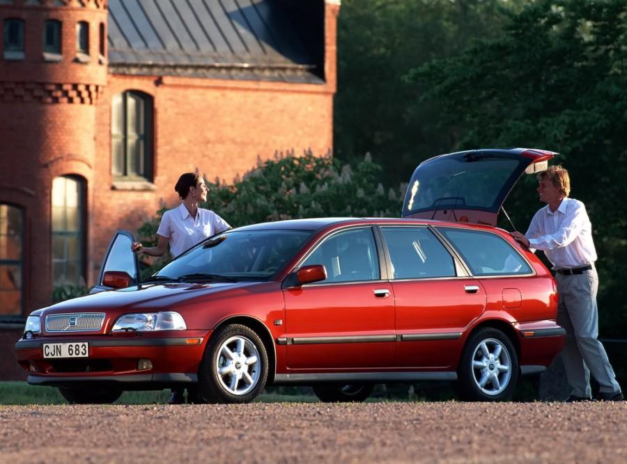 Volvo V40 универсал, 1996–2000, 1 поколение - отзывы, фото и характеристики на Car.ru