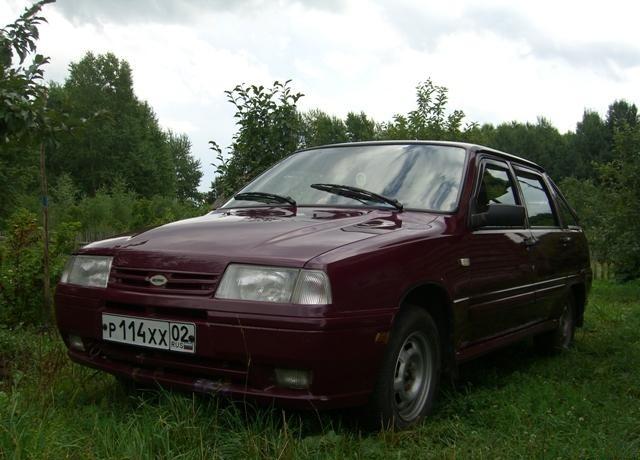 Иж 2126 Ника хетчбэк, 1991–2005, 1 поколение - отзывы, фото и характеристики на Car.ru